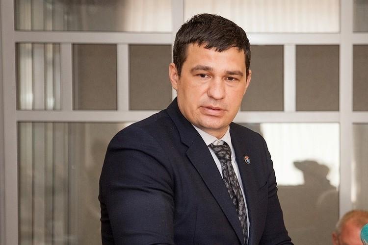 Александр Телепнев получил два года поселения за избиение музыканта