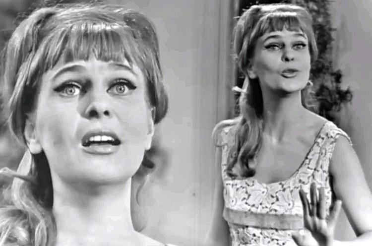"""Вероника Круглова на """"Голубом огоньке"""" 1966 года."""