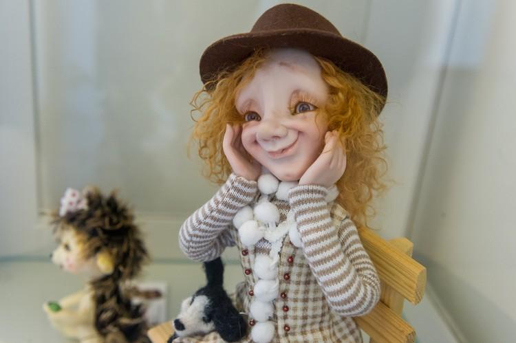 Куклы Ирины легко узнать по глазам и улыбке