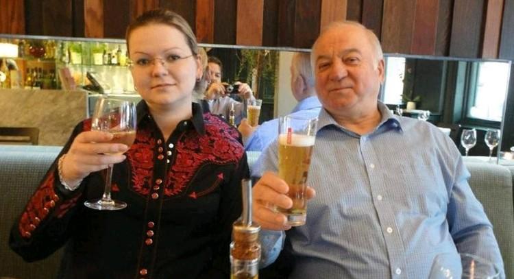 Жертвы отравления в Солсбери Сергей Скрипаль с дочкой Юлией.