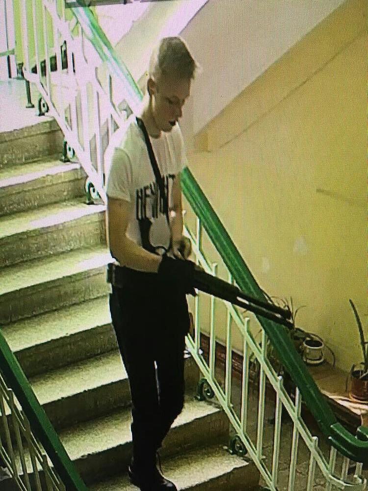 Росляков пришел в колледж с автоматом