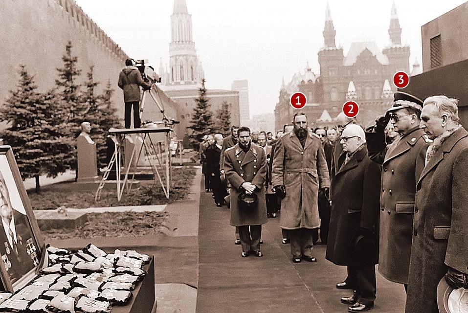 10 любопытных фактов про силовые поцелуи Брежнева | 640x957