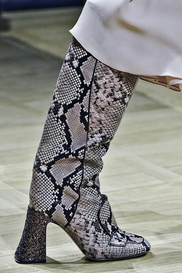 Хотите выглядеть суперстильно - носите обувь с принтом питона. ФОТО: globallookpress.com