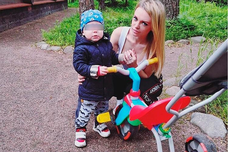 Милана борется за то, чтобы Артемий жил с ней. При этом на встречи с ребенком ходит через раз.