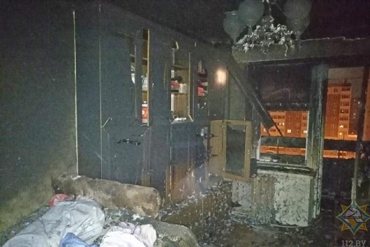 Хозяин пытался самостоятельно справиться с пожаром, но не сумел. Фото: МЧС.