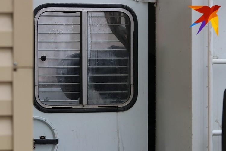Павел Яромчук вместе с другими офицерами обвиняется в групповом изнасиловании дознавательницы