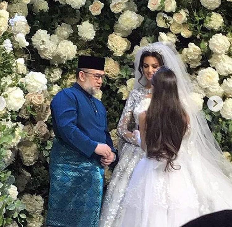 Кадр с церемонии бракосочетания, состоявшейся в Барвихе.