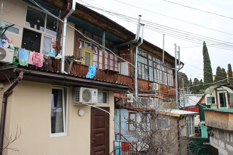 Ласточкины гнезда - так в Ялте называют дома старой застройки.