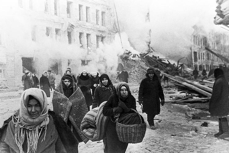 Германия до сих пор выделяет деньги выжившим в блокаде Ленинграда и признает ее «жестоким преступлением против целого города и его населения»