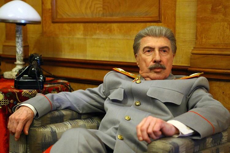 Будучи антисталинистом, он сыграл Сталина в кино