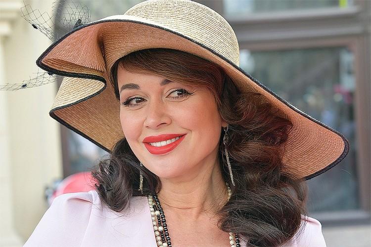 Еще одним рекордсменом по долгам до последнего времени была актриса Анастасия Заворотнюк