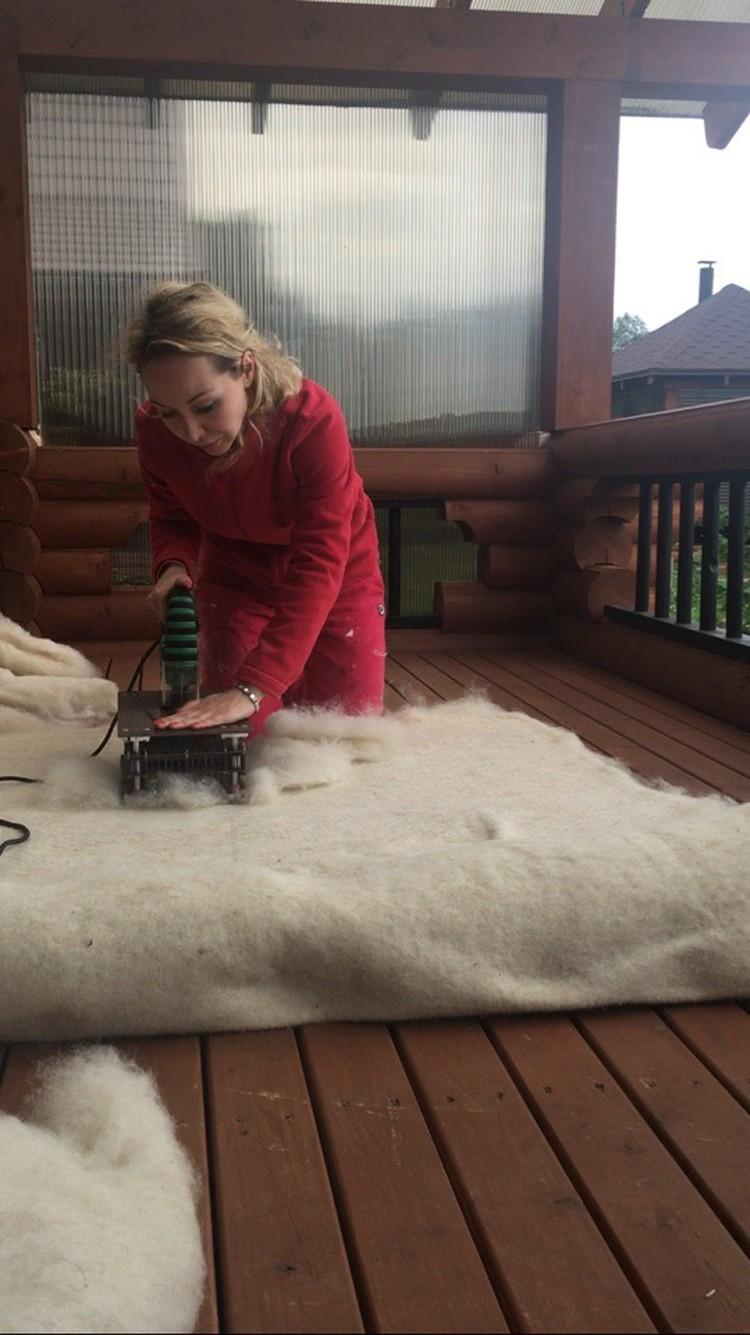 Валерия в процессе работы.