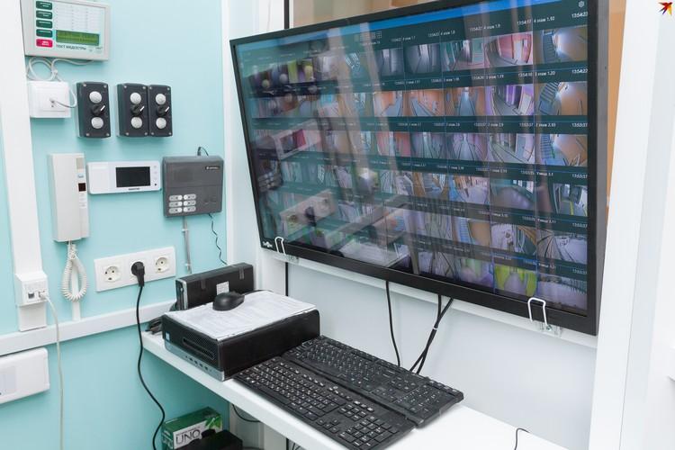 Здание поликлиники оснащено видеокамерами: в нем нет ни одной «слепой зоны».