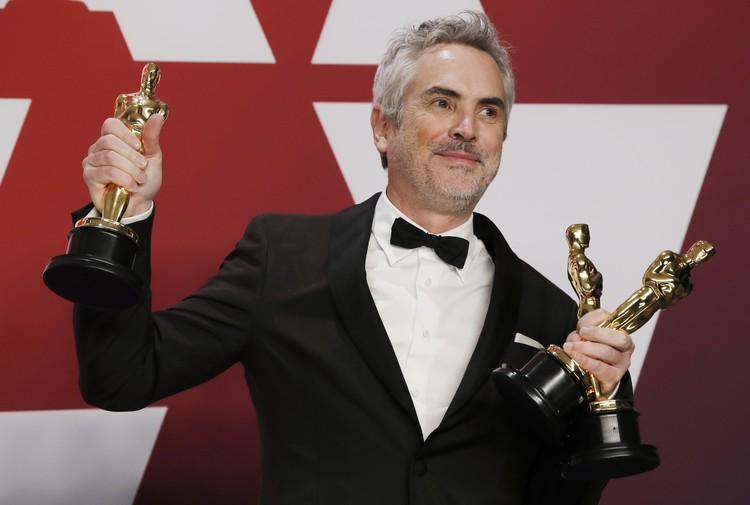 """По итогам вечера фильм Альфонсо Куарона """"Рома"""" принес три Оскара - за лучший фильм на иностранном языке, за лучшую режиссуру и лучшую работу оператора."""