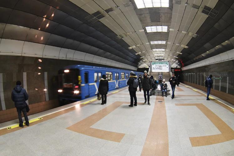 Станция метро «Березовая роща».