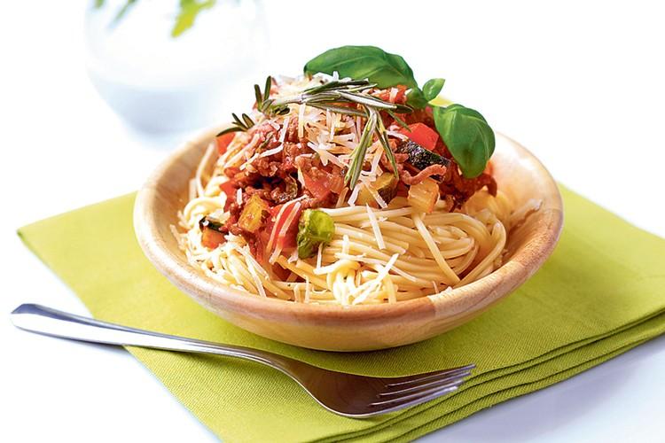 Спагетти с соусом болоньезе. Фото: фотобанк Лори, Fotolia/PhotoXPress.ru