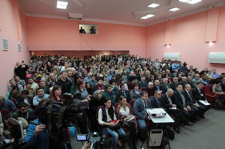 На встречу с Козицыным пришли активисты и просто местные жители