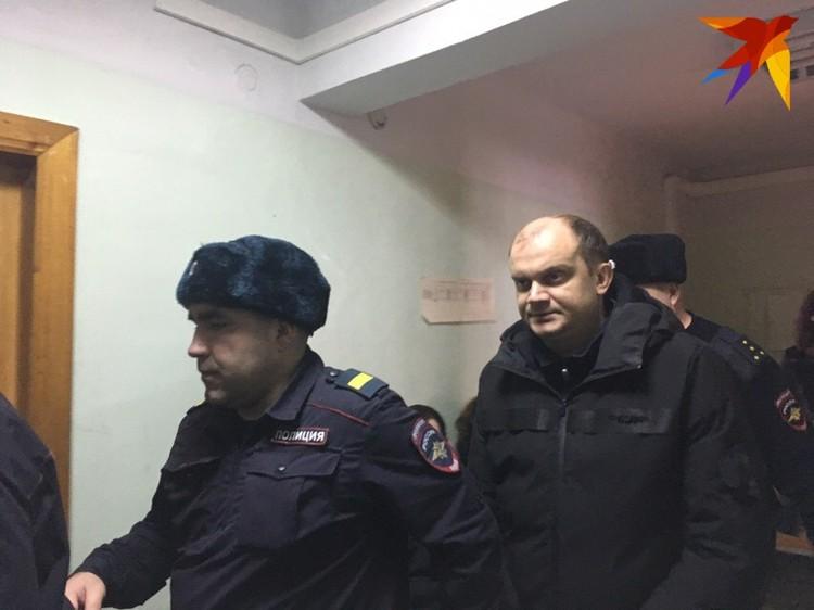 В зале суда Павел Яромчук просил отпустить его к детям