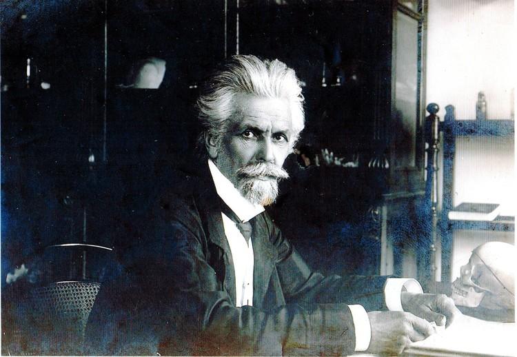 Николай Александрович Батуев, известный врач, лектор, переводчик. Фото: предоставлено героем публикации