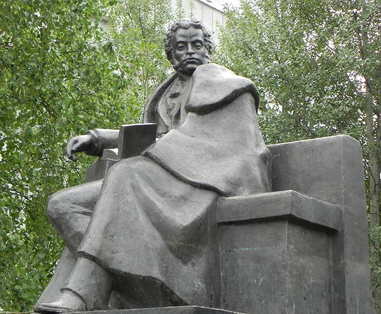 Памятник Пушкину, сделанный Николаем Бруни. Фото из архива Андрея Сарабьянова