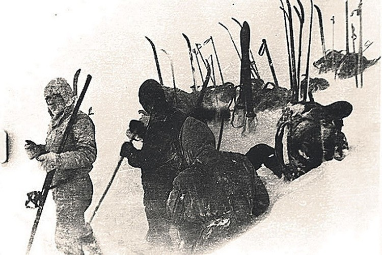 В горах Северного Урала пропали девять туристов, ушедших в поход под руководством Игоря Дятлова. Фото: Фонд памяти группы Дятлова