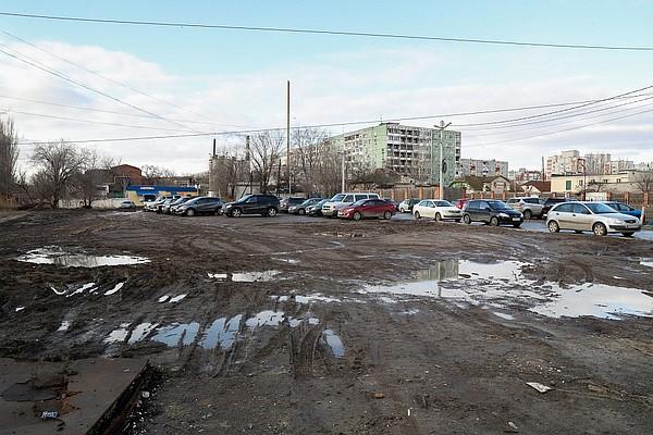 На юге Волгограда обновят дорогу и парковку у больницы №15 , фото-1