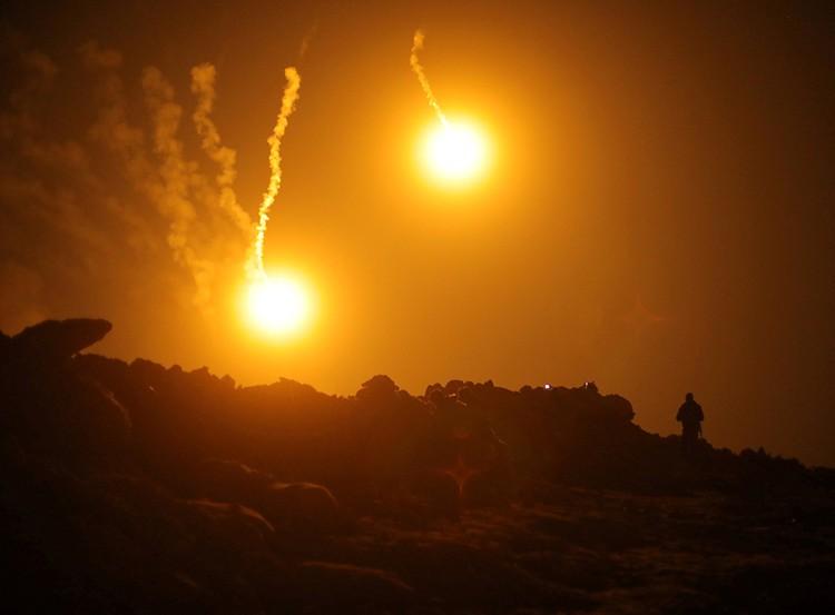 Не только террористы, но и сотни мирных жителей стали жертвами авиаударов ВВС США, использующих запрещенный белый фосфор