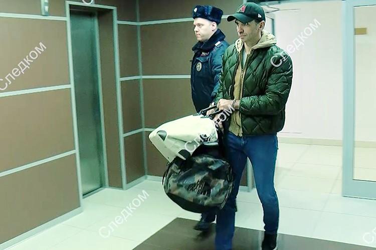 Михаил Абызов был задержан 26 марта по подозрению в мошенничестве и в организации преступного сообщества