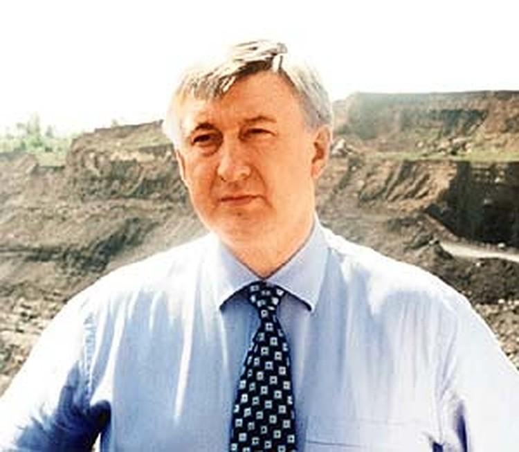 В 2001 году предъявлялось обвинение министру путей сообщения Николаю Аксененко