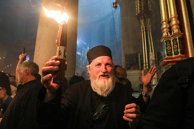 В дни Пасхи на Святую Землю приезжает представители всех православных церквей. Фото: Владимир Смирнов/ТАСС