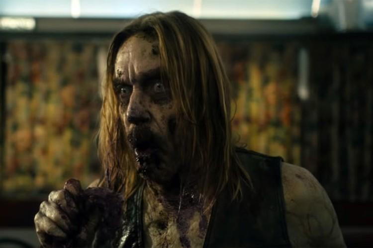 Одного из зомби сыграл Игги Попп, которому не пришлось усердствовать с гримом