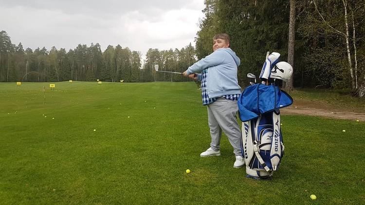 Татьяна Пантелеева очень хорошо играет в гольф. Фото: Борис Анзов/FB