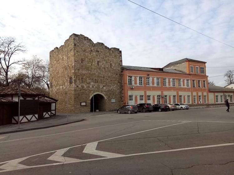 Красотой туристов манит старинная часть города