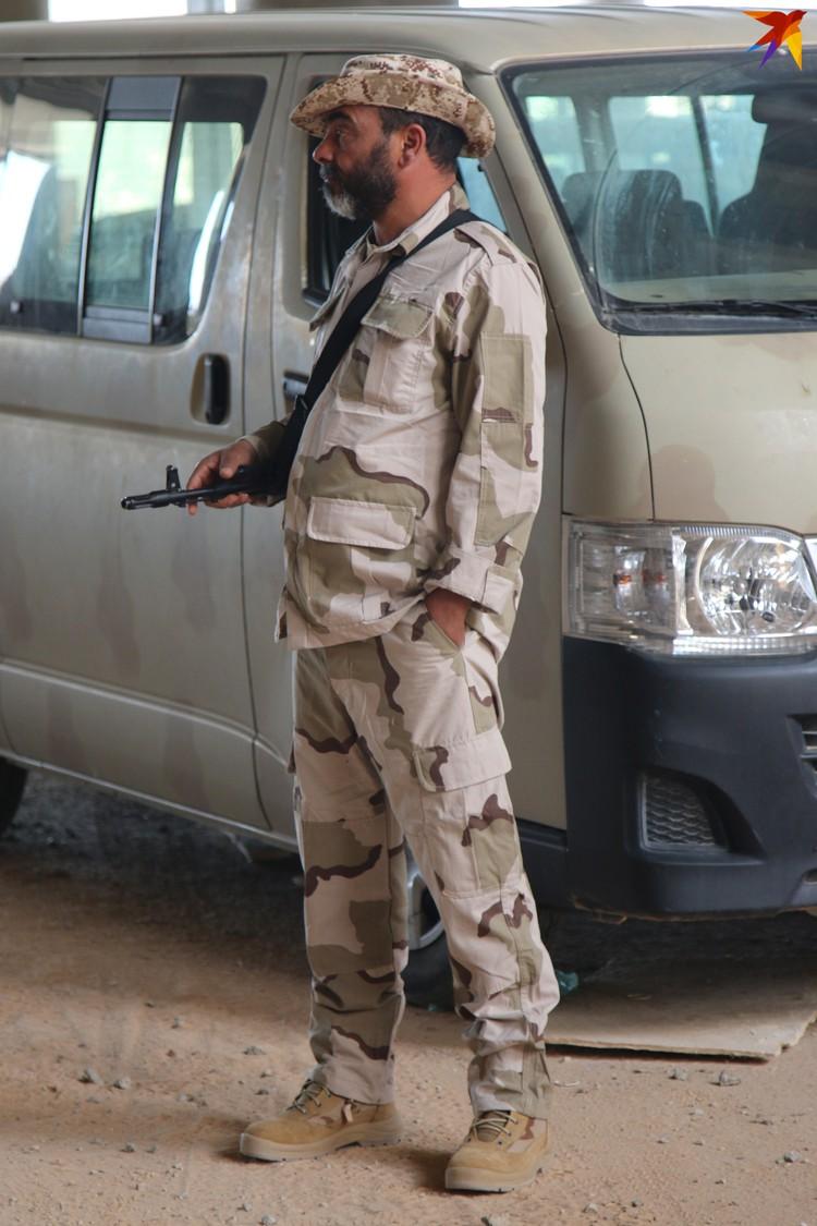 Боец ЛНА в Международном аэропорту Триполи