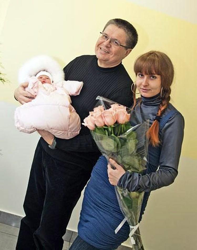Юлия моложе мужа на 27 лет