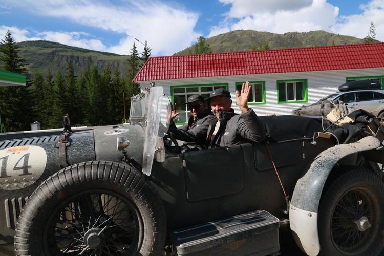 Участники ралли «Пекин — Париж» движутся по направлению к Алтайскому краю