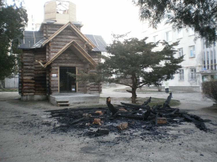 Купол недостроенного храма сгорел. Фото: ГС ЧС Украины в Крыму