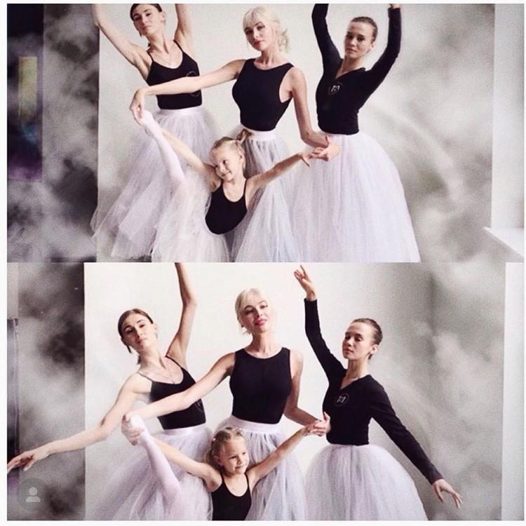 В образе балерин. Алёна с дочерью