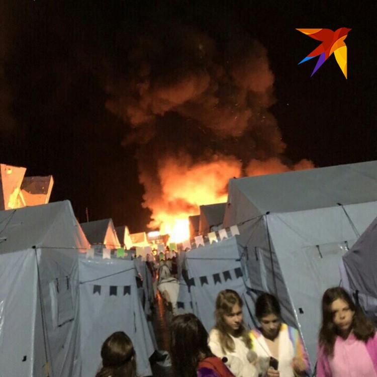 Все сгоревшие палатки имели официальный сертификат негорючести