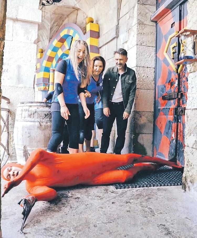 Теперь Шнуров может рассказывать, что у него в ногах сам Светлаков валялся. Фото: instagram.com