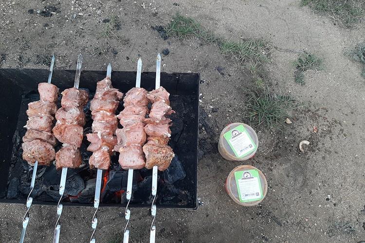"""Вкусные шашлыки от """"Иркутской мясной компании""""."""
