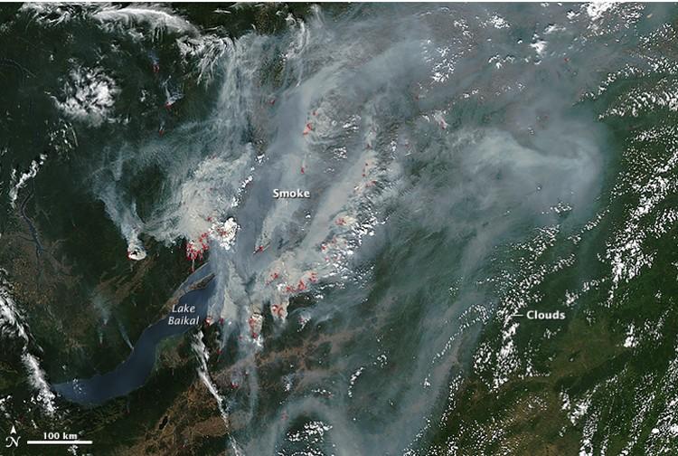Сибирские пожары и дым от них в 2015 году.