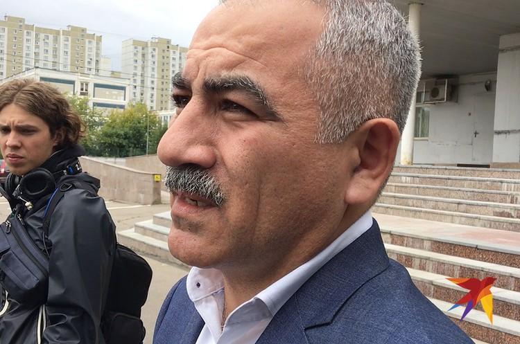 Адвокат Камандар Караев.