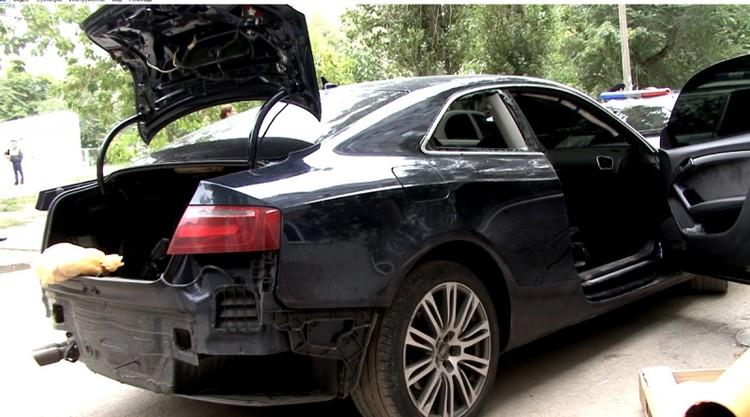 В машине нашли пакет с рукой погибшего.