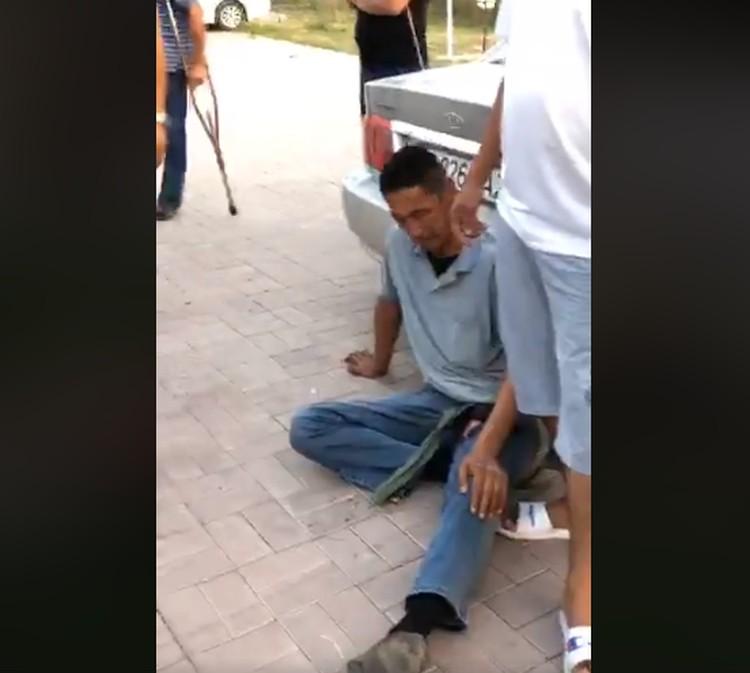 В Чуйскую областную больницу по линии Скорой помощи доставлены двое мужчин с ранением в грудную клетку резиновыми пулями.