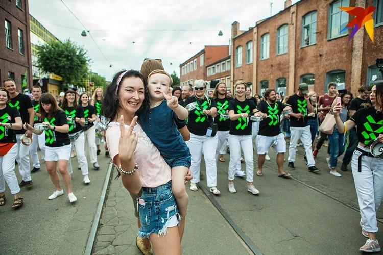 Улицу Октябрьская сделали пешеходной