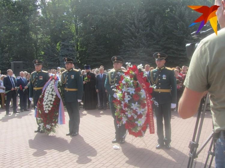 Возложение венков на Мемориале