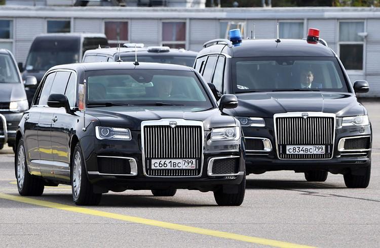 «Аурус» президента Путина по пути из аэропорта