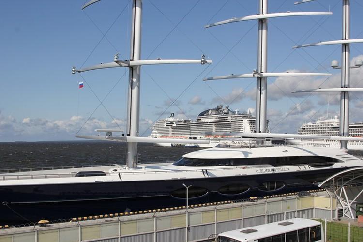 В Санкт-Петербурге яхта, скорее всего, пробудет до 28 августа.