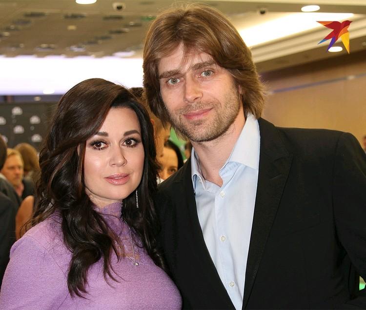 Анастасия с мужем Петром Чернышевым.